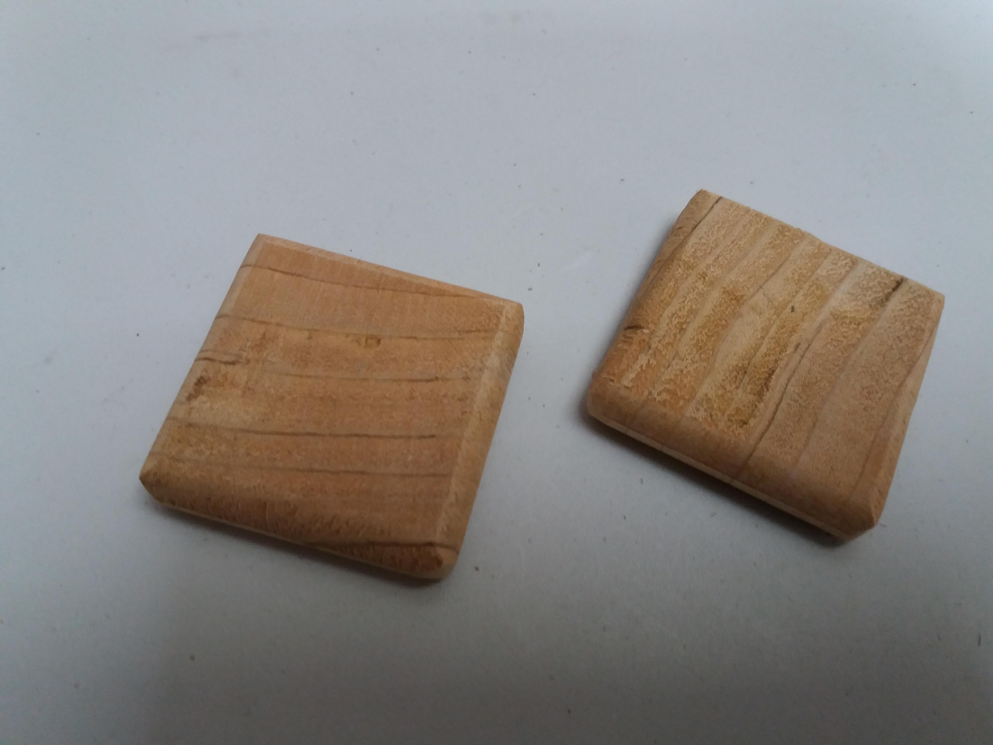 Zedernholz ca. 5*5cm